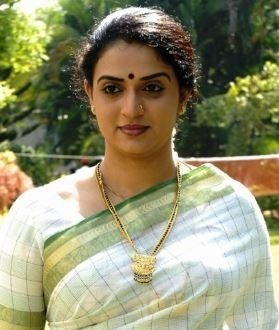 Pavitra Lokesh image