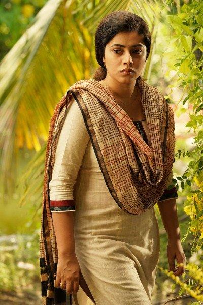 Shamna Kasim ( Poorna )