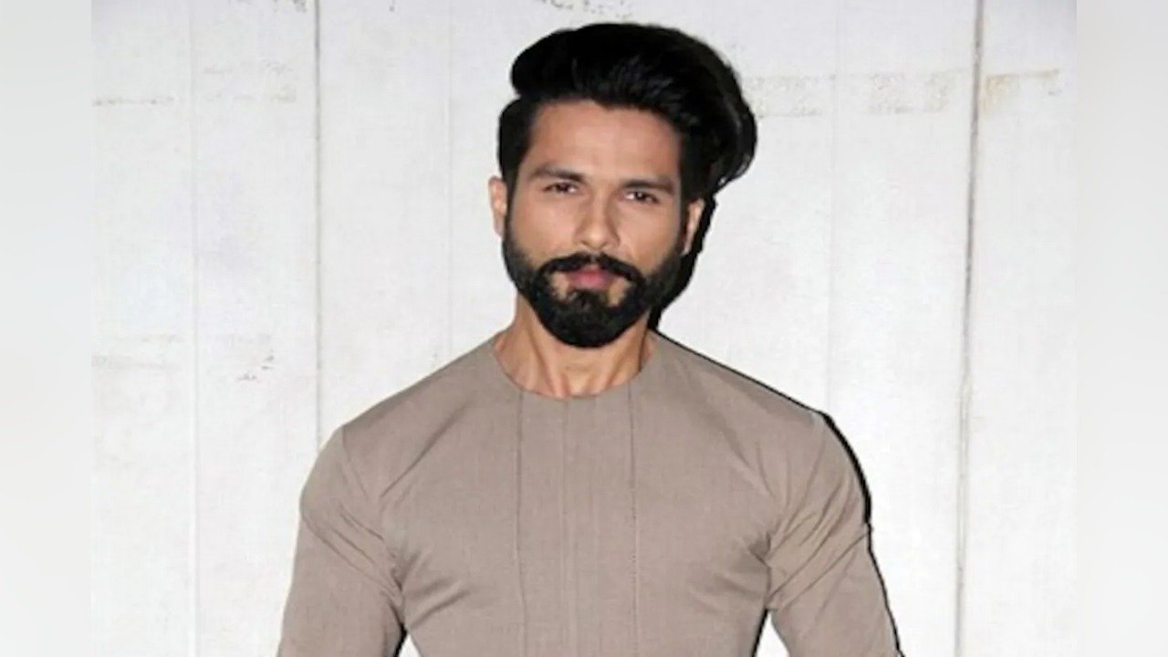 shahid-kapoors-jersey-all-set-for-a-diwali-release-image