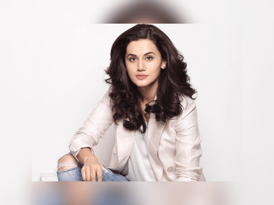 taapsee-has-won-the-filmfare-award-and-we-cannot-stop-hyping-about-it-image