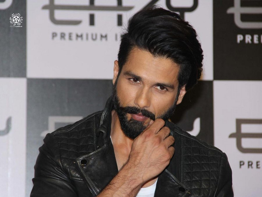 shahid-kapoor-celebrates-18-years-of-his-journey-in-bollywood-image
