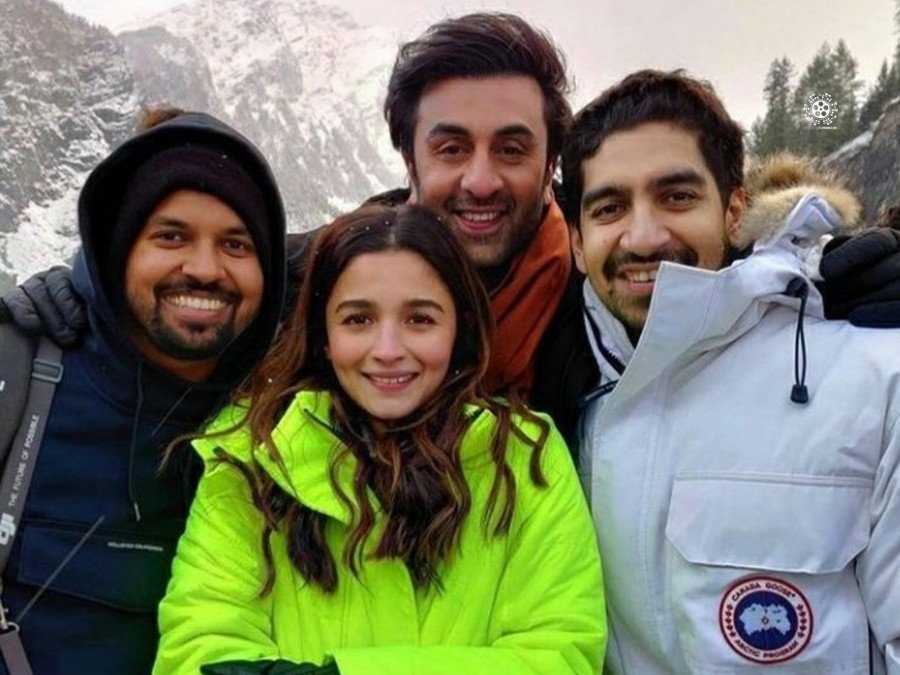 film-crew-reveals-unseen-bts-photo-from-the-brahmastra-shoot-image