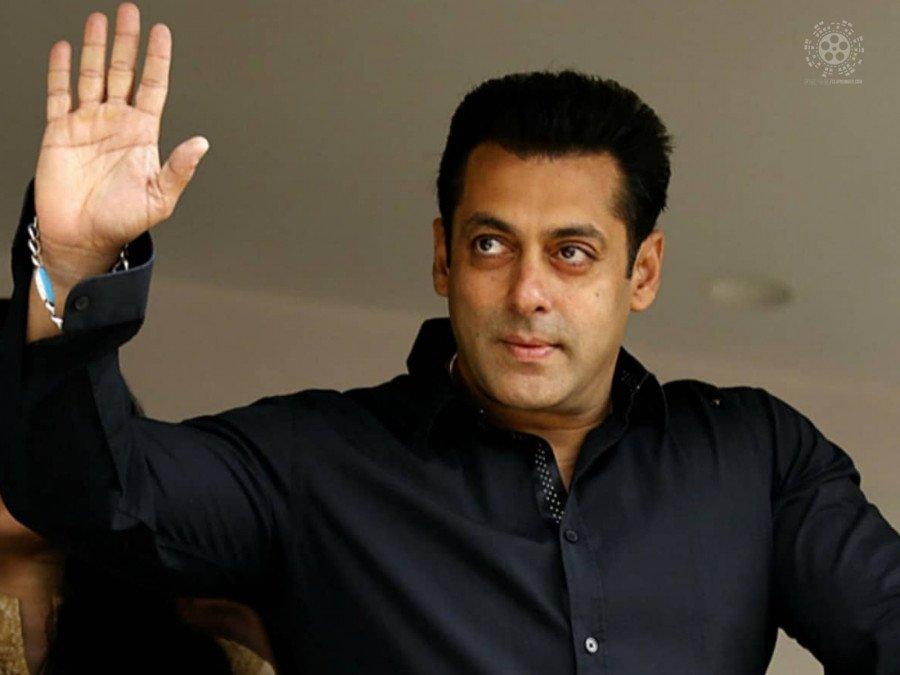 salman-khan-demands-script-alterations-for-the-hindi-remake-of-master-image